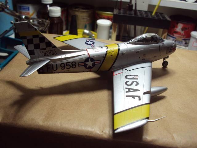 F-86F Sabre - Academy nº 1629 1/72  - FINALIZADO ! DSC05500_zps00a82b9b
