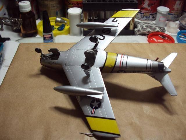 F-86F Sabre - Academy nº 1629 1/72  - FINALIZADO ! DSC05506_zpsa932b9ed