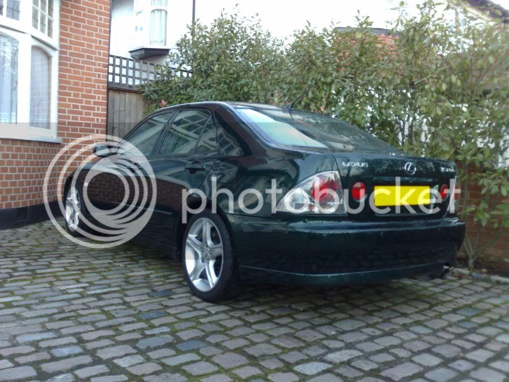 Lexus is200 08012011068