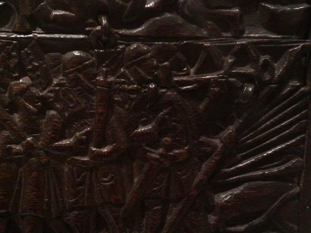 Courtrai Chest (oak) 1302-1350 IMAG0275_zps1cabd2ea
