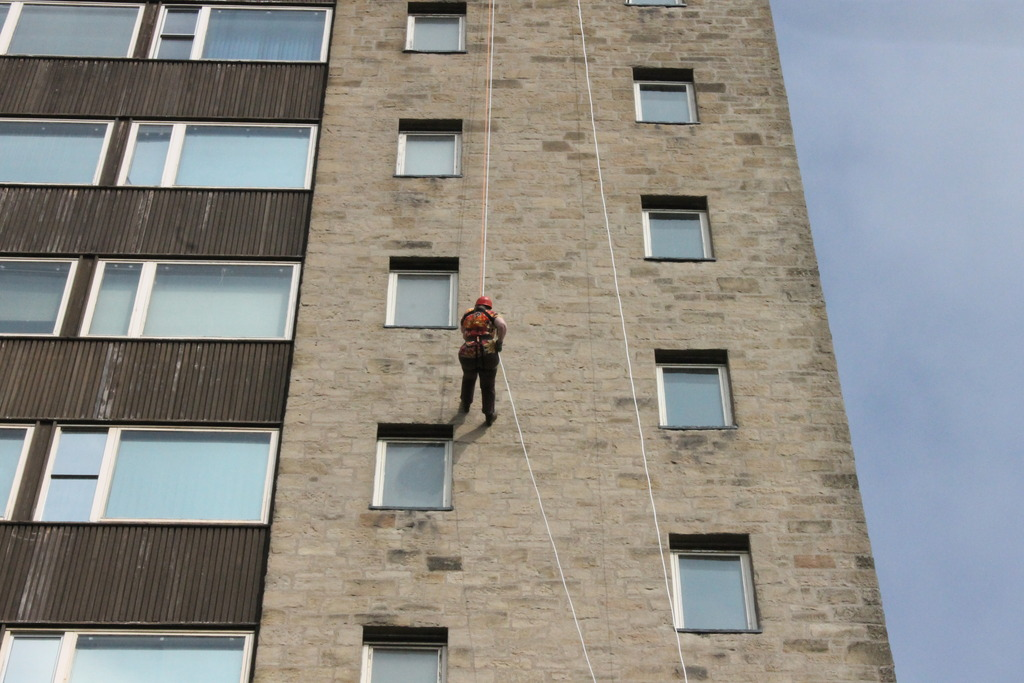 Abseiling for charity 009_zpsow6a3c26
