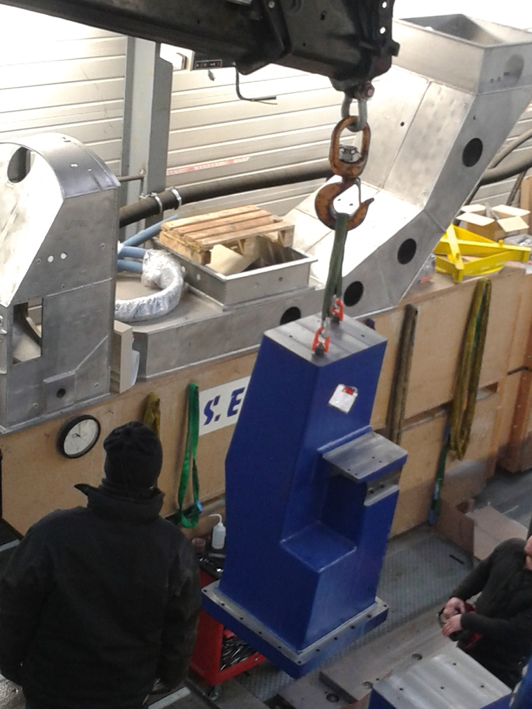 Installation de la machine de vibrations horizontales et verticales SEREME à l'ESIReims 20151127_100022_zpsgf8iunwc