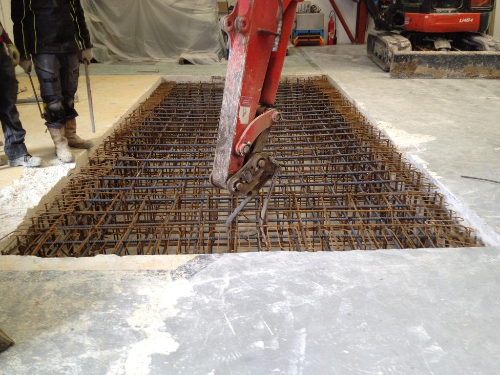 Implantation d'une machine de vibrations horizontales et verticales SEREME à l'ESIReims IMG_6569_zpshadpw1ij