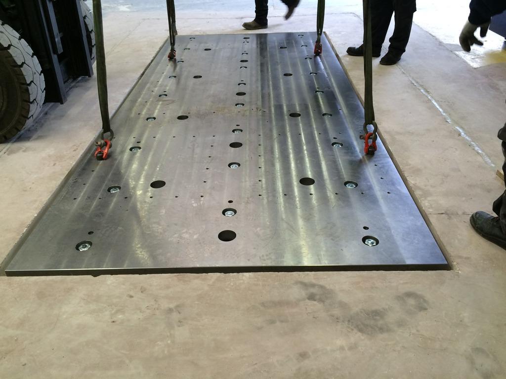 Installation de la machine de vibrations horizontales et verticales SEREME à l'ESIReims IMG_7409_zpsrfpoaads