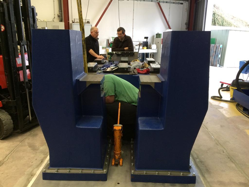 Installation de la machine de vibrations horizontales et verticales SEREME à l'ESIReims IMG_7552_zpseedzeq12