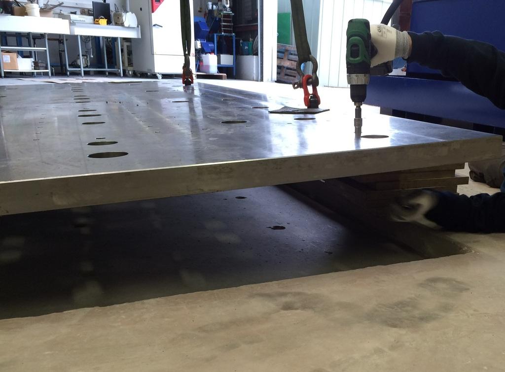Installation de la machine de vibrations horizontales et verticales SEREME à l'ESIReims Taque_zpscp8apbse