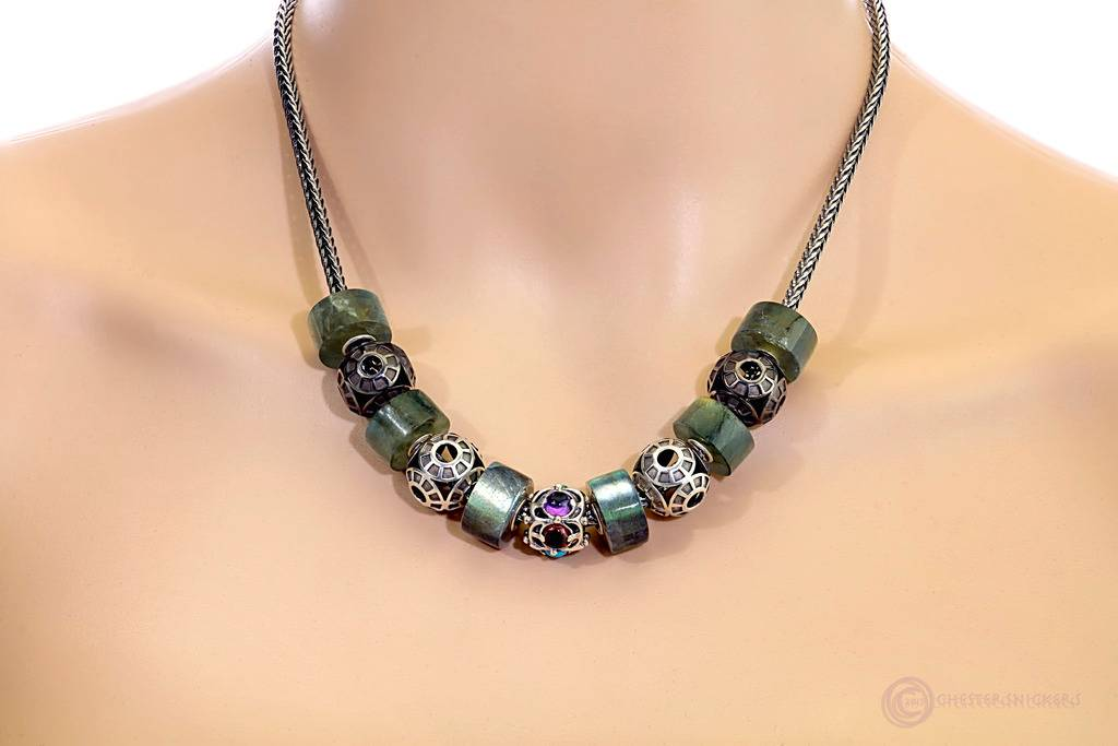 and .... Oculus ,again FB%20Oculus%20ampK%20Labradorite%20barrels%20necklace%20copy_zpsfrc2kzto