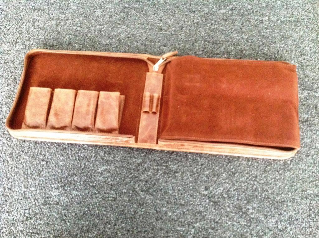 VENDU - Housse PATRICK CASE Middle Brown IMG_1555_zps6075d168