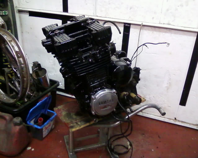 Yamaha XJ550 Enginepainted