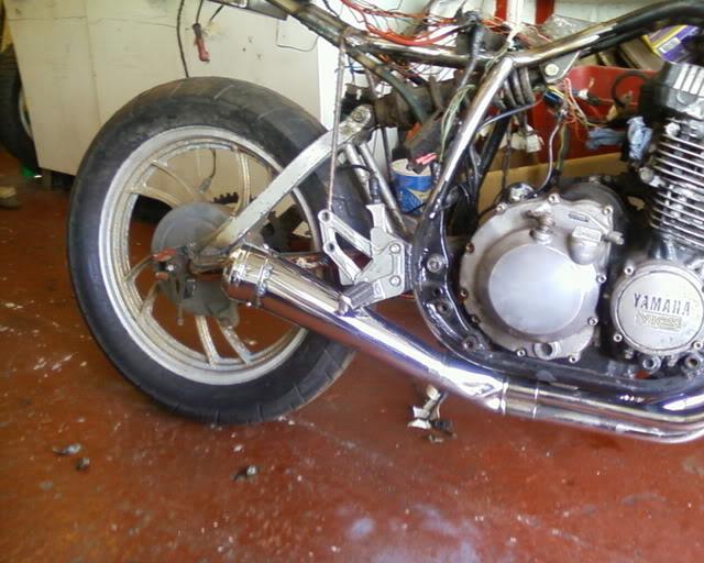 Yamaha XJ550 Exhaustcompleted