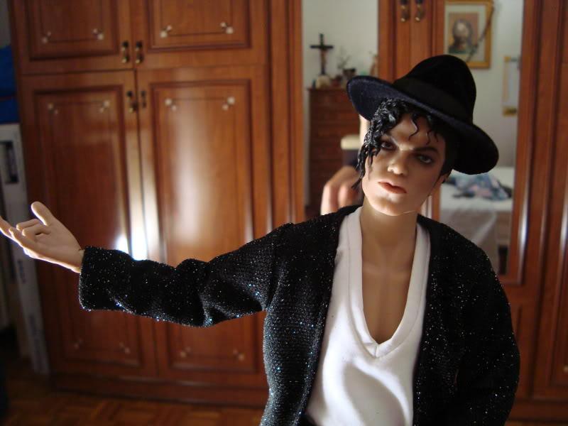 La mia bambola di Michael Jackson!! - Pagina 6 DSC00487