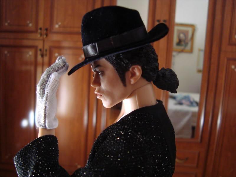 La mia bambola di Michael Jackson!! - Pagina 6 DSC00489