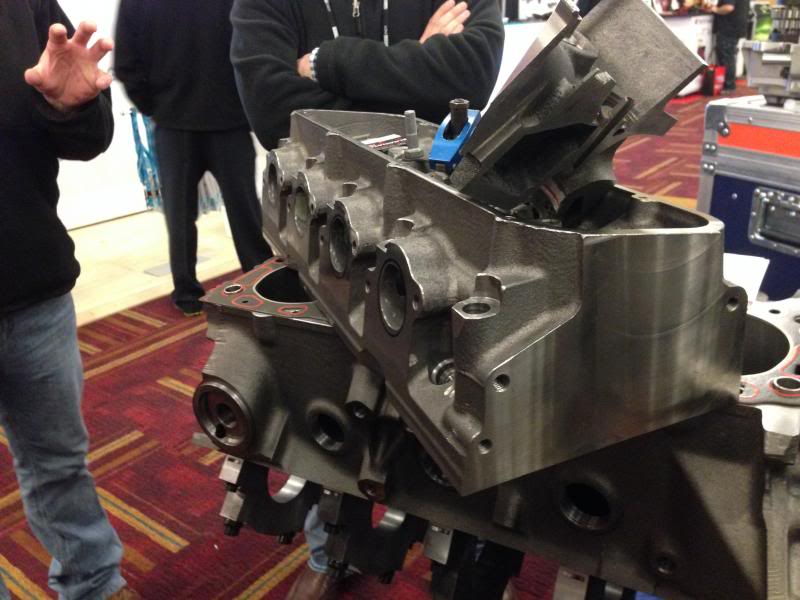 New cylinder heads IMG_0947_zps54fd2c3f