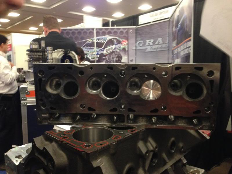 New cylinder heads IMG_0948_zpse0b6a3a5