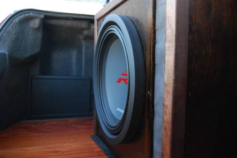 "12"" Alpine Sub + Alpine Amp & Custom Ported Box + Amp Cables (Complete Setup)-  DSC_0161-2"