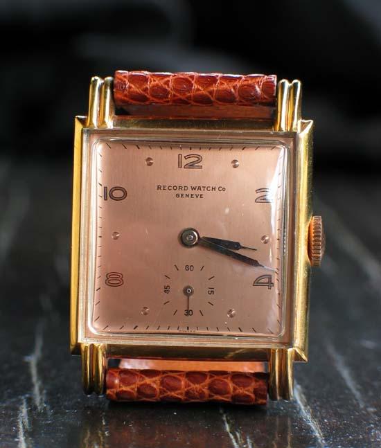 Feu de forum sur les montres carrées ... Record