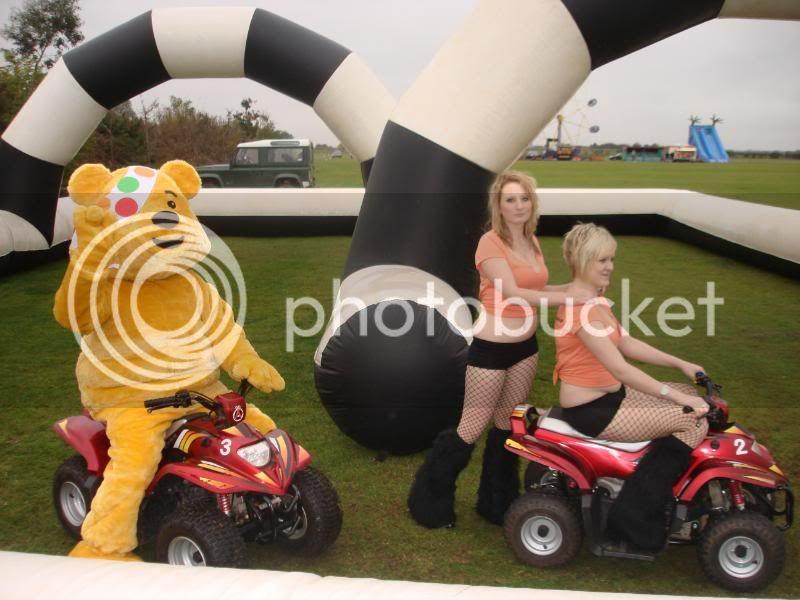 Children In Need Fun Show at Skylarks DSC07473
