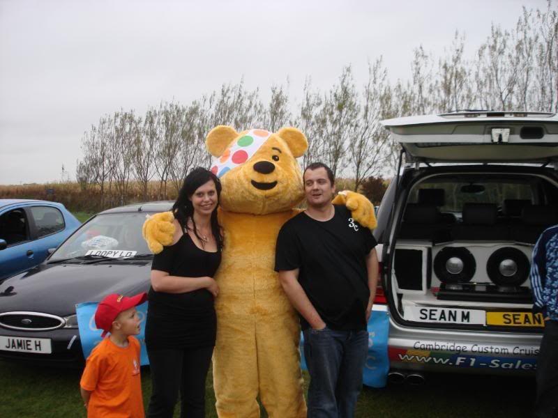 Children In Need Fun Show at Skylarks DSC07489