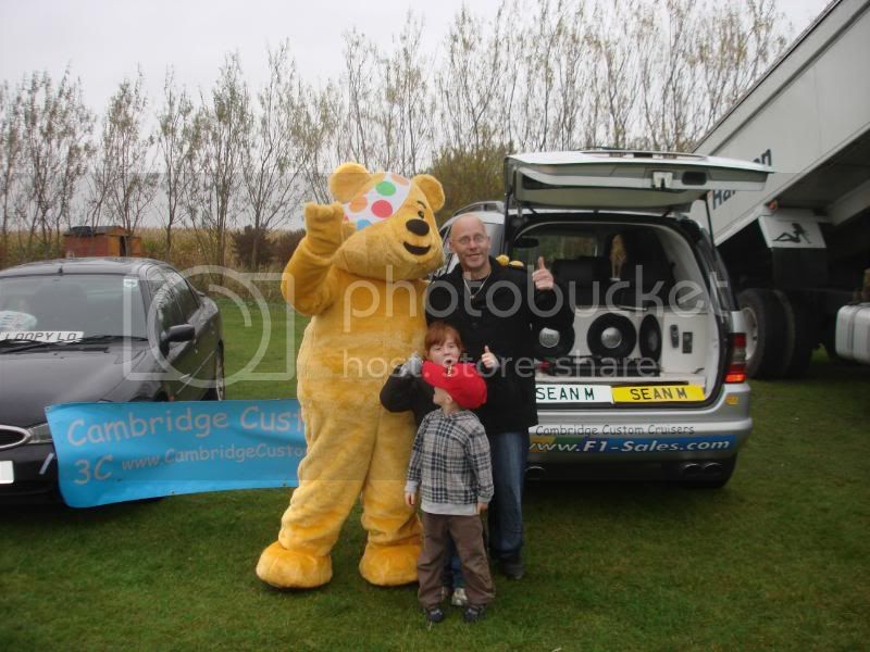 Children In Need Fun Show at Skylarks DSC07492