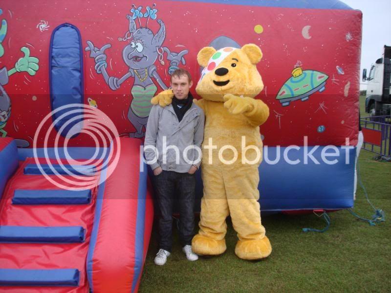 Children In Need Fun Show at Skylarks DSC07499