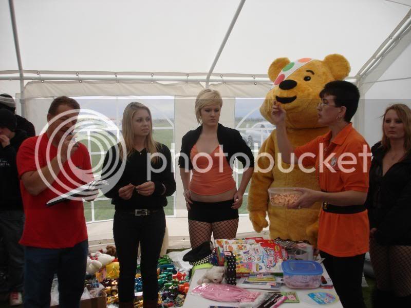 Children In Need Fun Show at Skylarks DSC07570