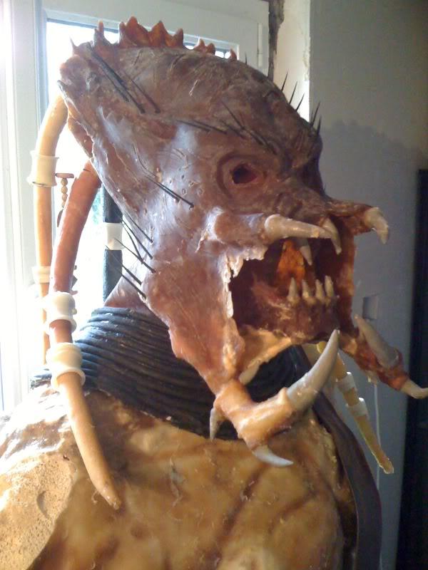 création d'un predator taille réél - Page 3 Predatorcostume004