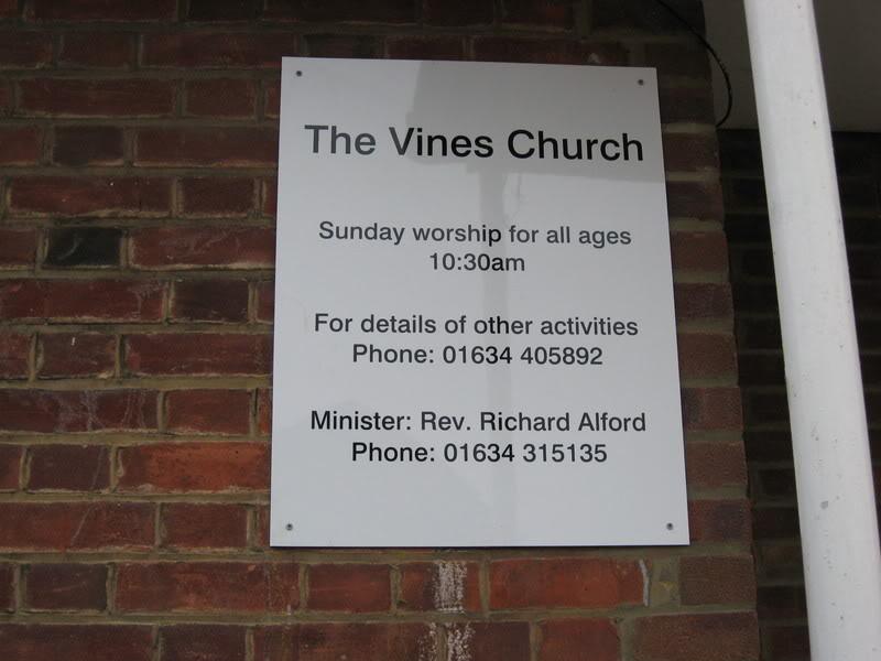 Viney Street Signs Vineschurch4