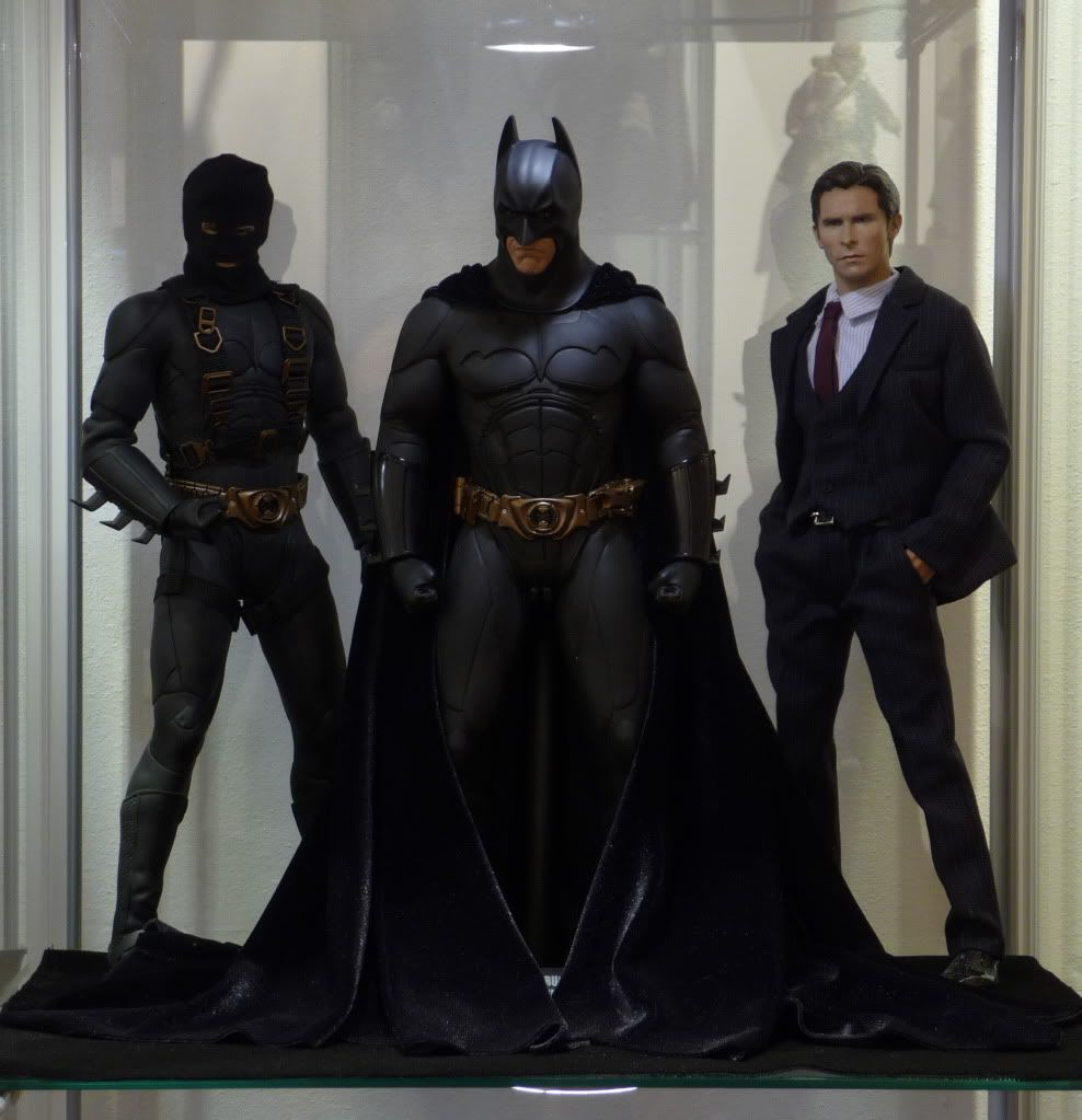 [Hot Toys] Batman Begins: Batman/ Bruce Wayne (2011 Toy Fairs Exclusive)  - Página 32 P1150150