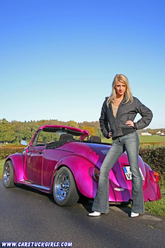the new car stuck girl Speedster_stuck_003