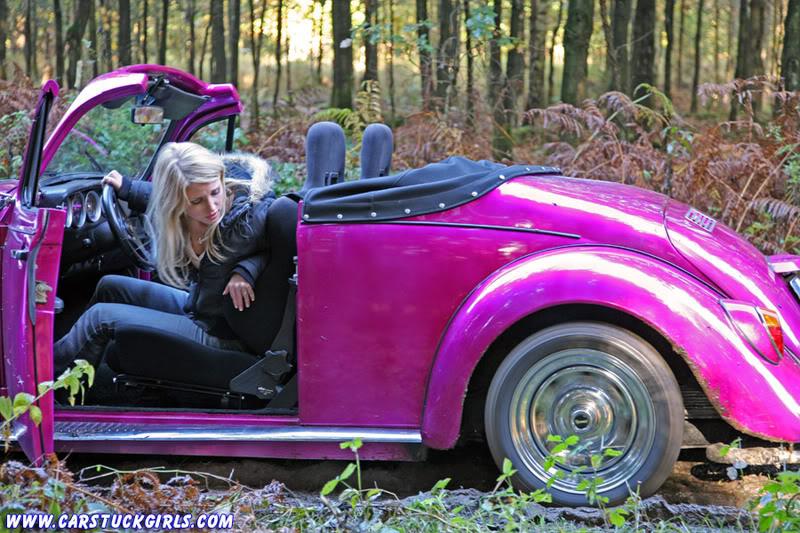 the new car stuck girl Speedster_stuck_010
