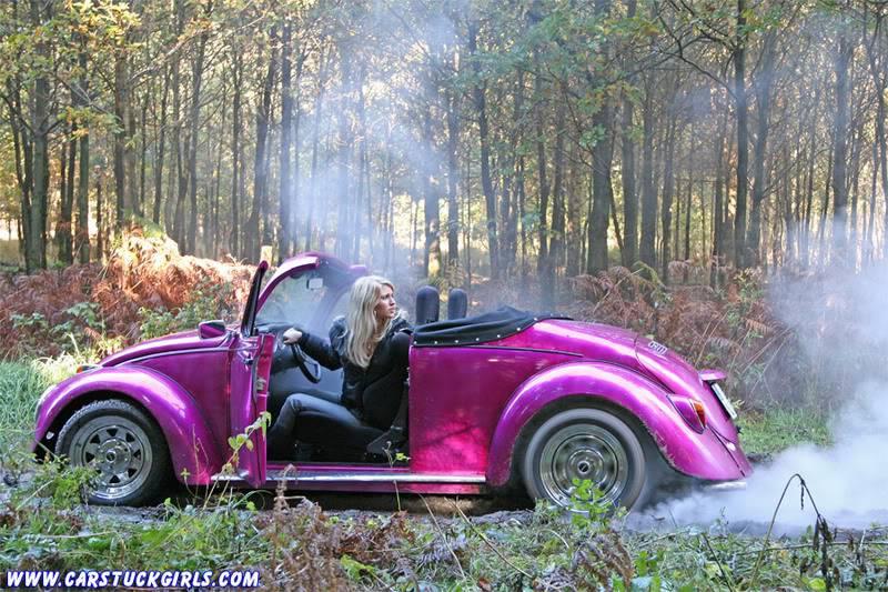 the new car stuck girl Speedster_stuck_020
