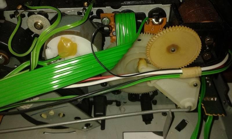 A minha aparelhagem Grundig Roda%20dentada%20cf%207400_2