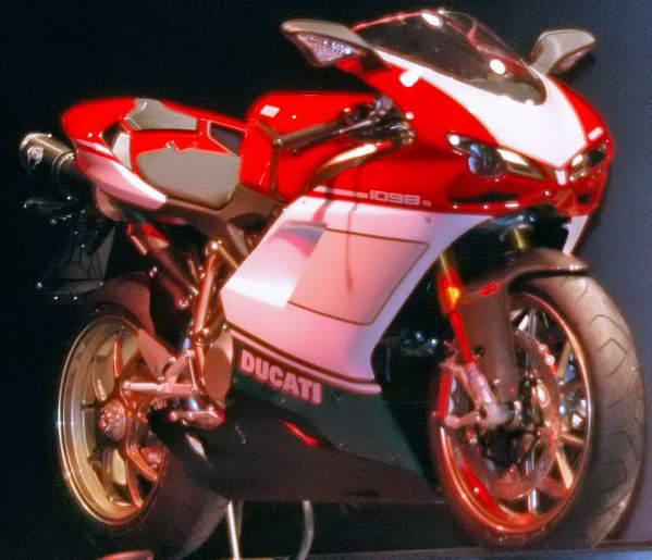 Ducati (official topic) Ducati-1098-01