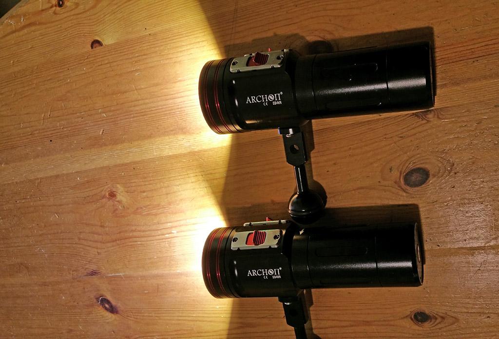 une lampe de plongée video chinoise  Archon3_zps48bbe14b