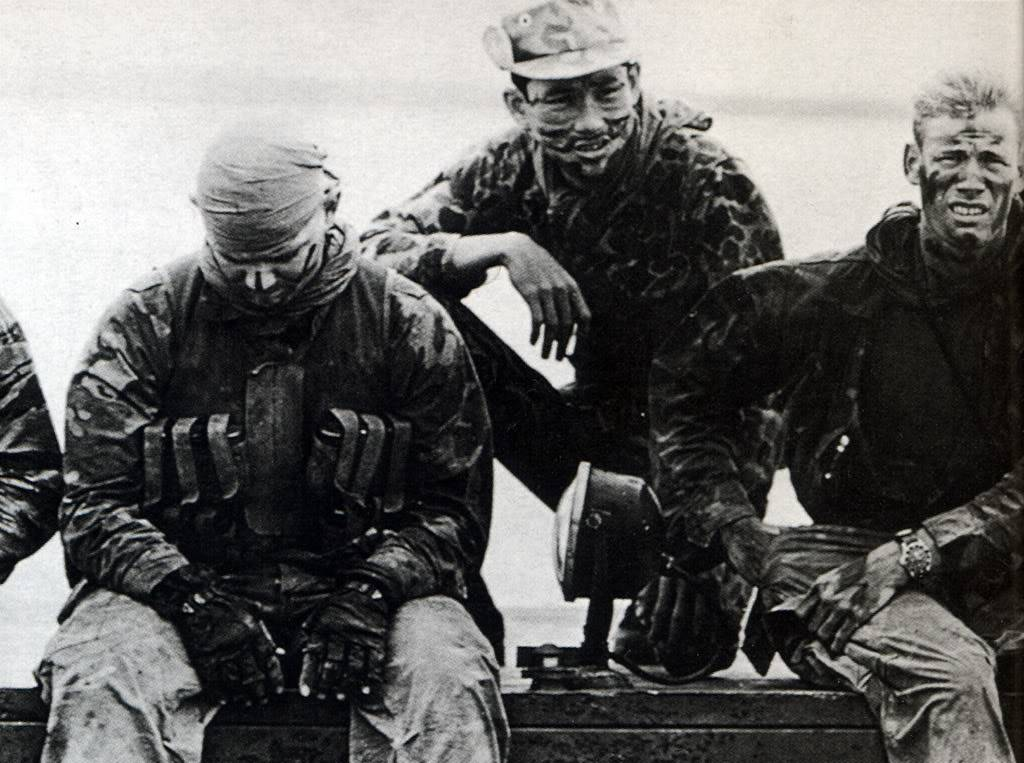 "Suite de ""operation in the Delta"" : Seals and Rolex Numriser14"
