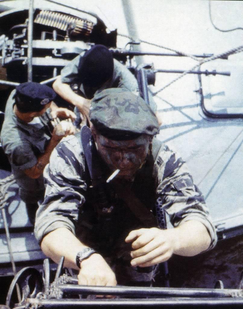 "Suite de ""operation in the Delta"" : Seals and Rolex Numriser7"