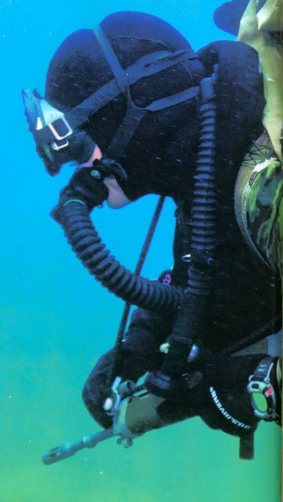 Plongeurs de combat de la marine nationale suite ... - Page 3 Incursorecasio