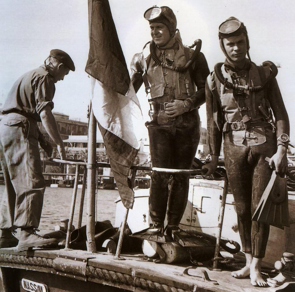 Plongeurs de combat de la marine nationale suite ... - Page 2 Mnblancpain2