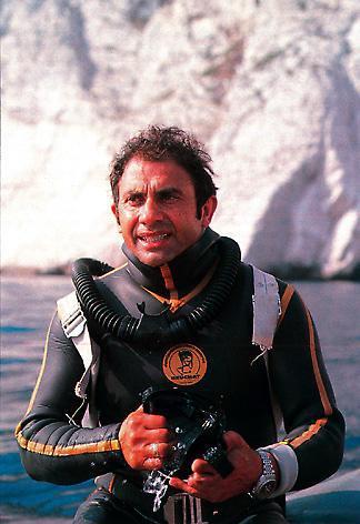 """quelles sont ces montres de l'épopée """"Cousteau"""".. Falcodoxa"""