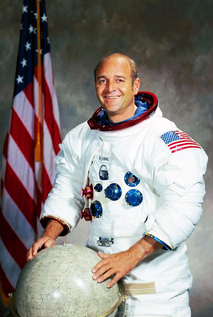 Rolex 1675 GMT ... Spatiale ! Apollo-17-Ronald-Evans-Rolex-Portra