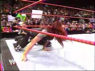 BACKSTAGE BRAWLS MATCH-------JAQUELINE VS LITA Entrandolita
