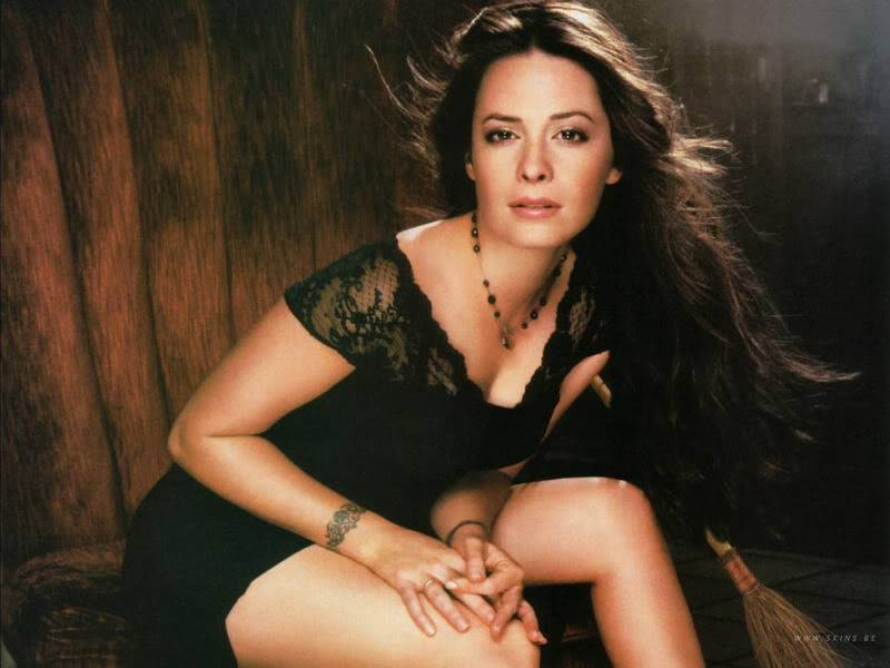 Holly Marie Combs vs Ella Montgomery Holly-marie-combs-1024x768-15811