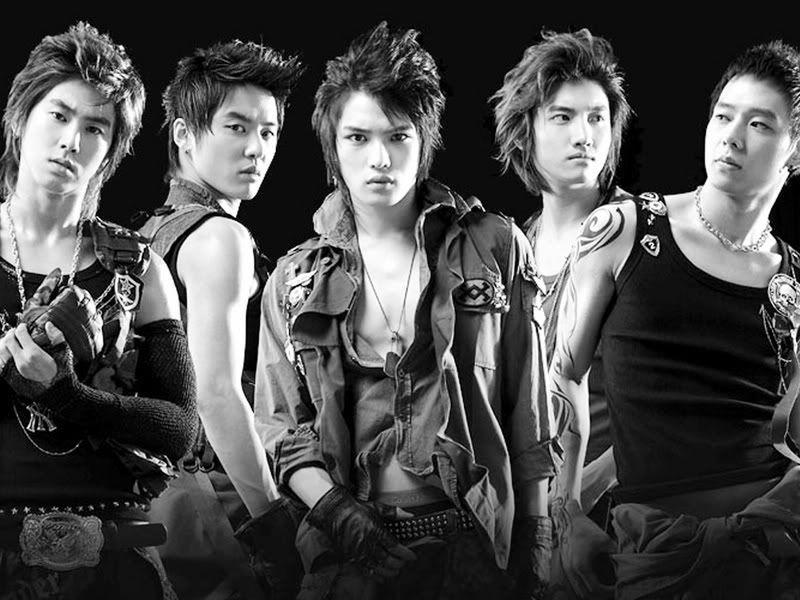 group pics!!!!!!!!!!!!!! =) 235_dbsk