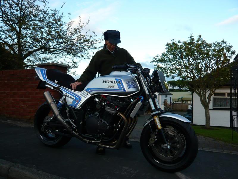 Steve Elliott bike  19MAY09051