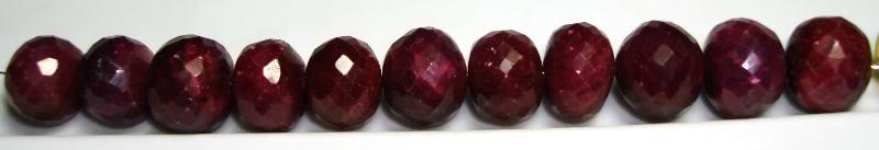 Choosing a ruby Trollbead DSC03939