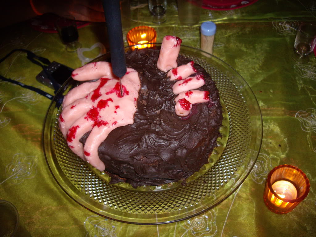 Mains de l'horreur et mains sanglantes IMGP1285