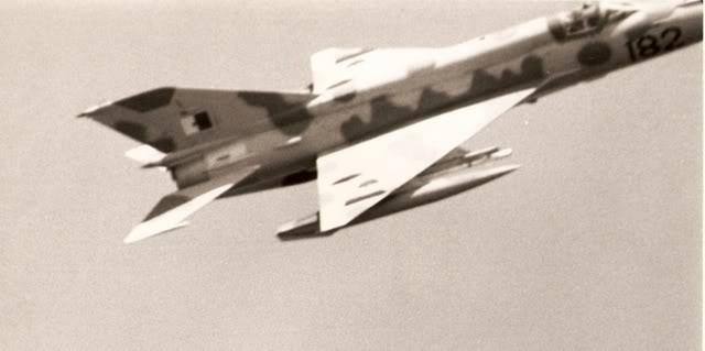 طائرة مقاتلة إعتراضية ميغ-21  MIG-21 Scan0004