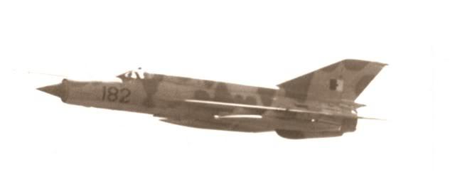 طائرة مقاتلة إعتراضية ميغ-21  MIG-21 Scan0005
