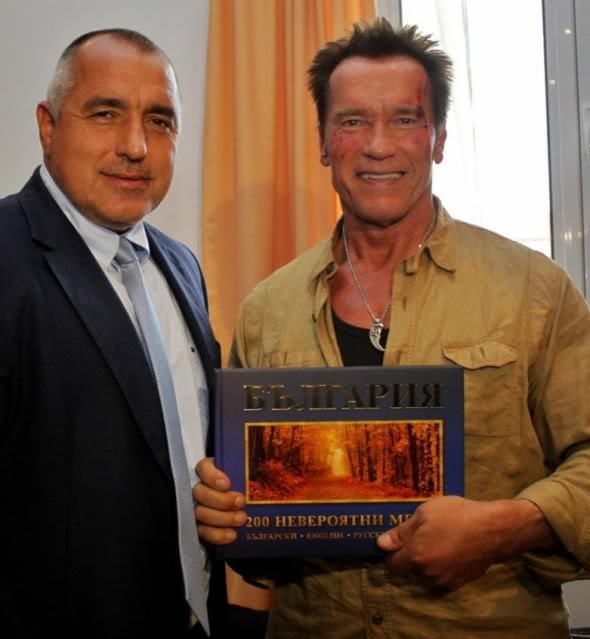 The Expendables 2 (Los Mercenarios 2) 2012 - Página 2 1-5