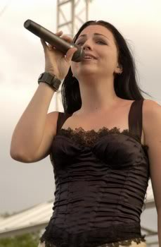 emy lee -evanescence pic 3139818